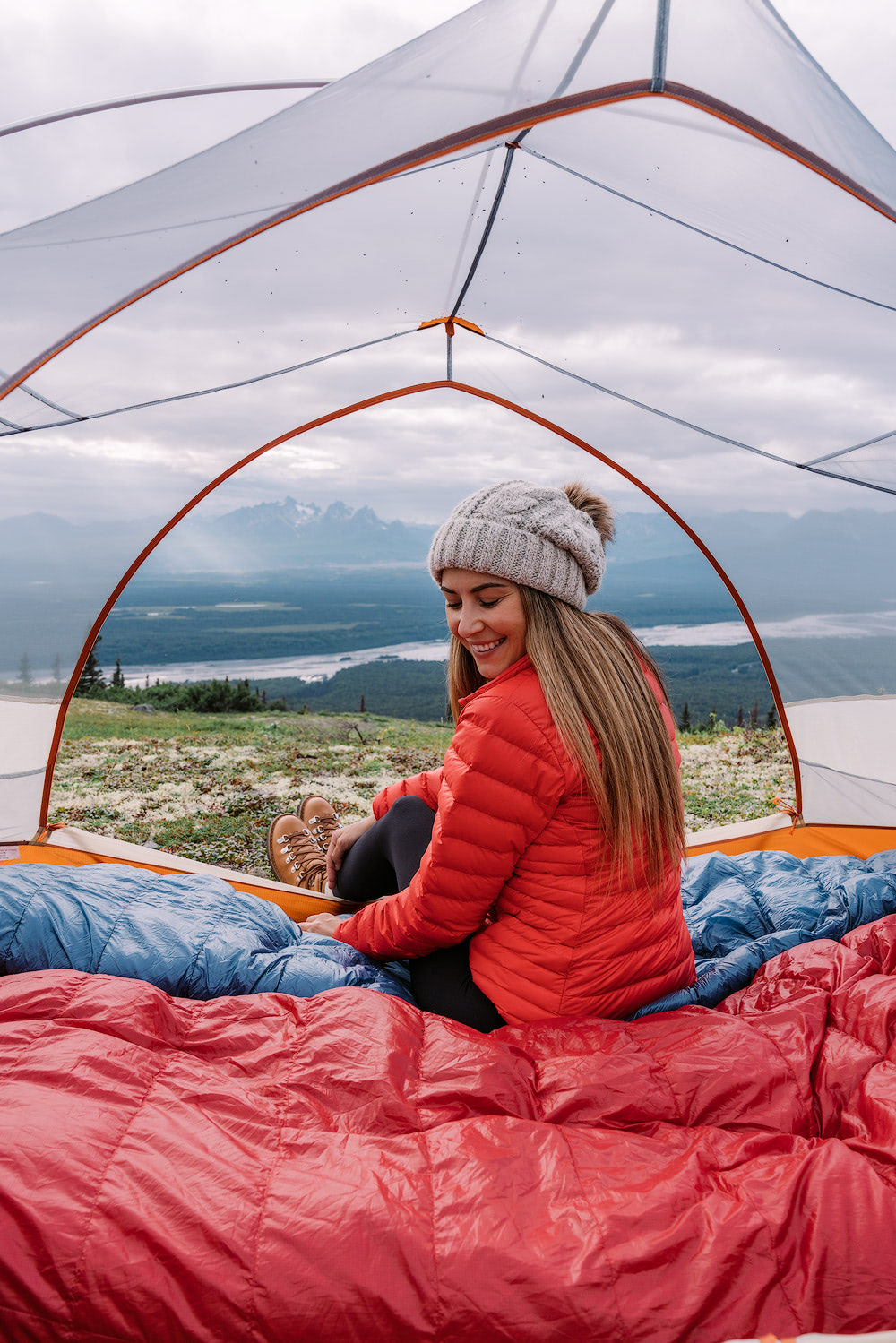 5-Epic-Alaska-Hiking-&-Backpacking-Adventures-Curry-Ridge2-ReneeRoaming