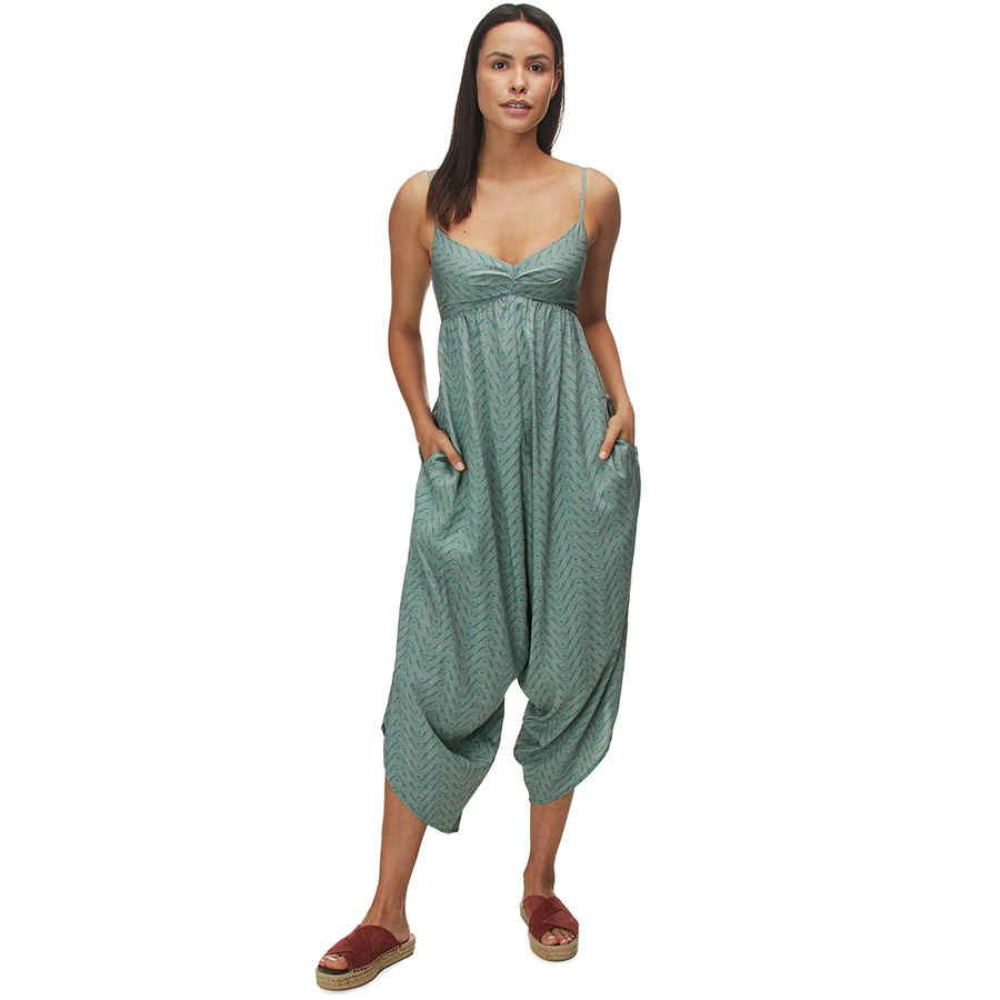 What to Pack for a Tropical Vacation to The Islands of Tahiti Patagonia Lost Wildflower Jumpsuit