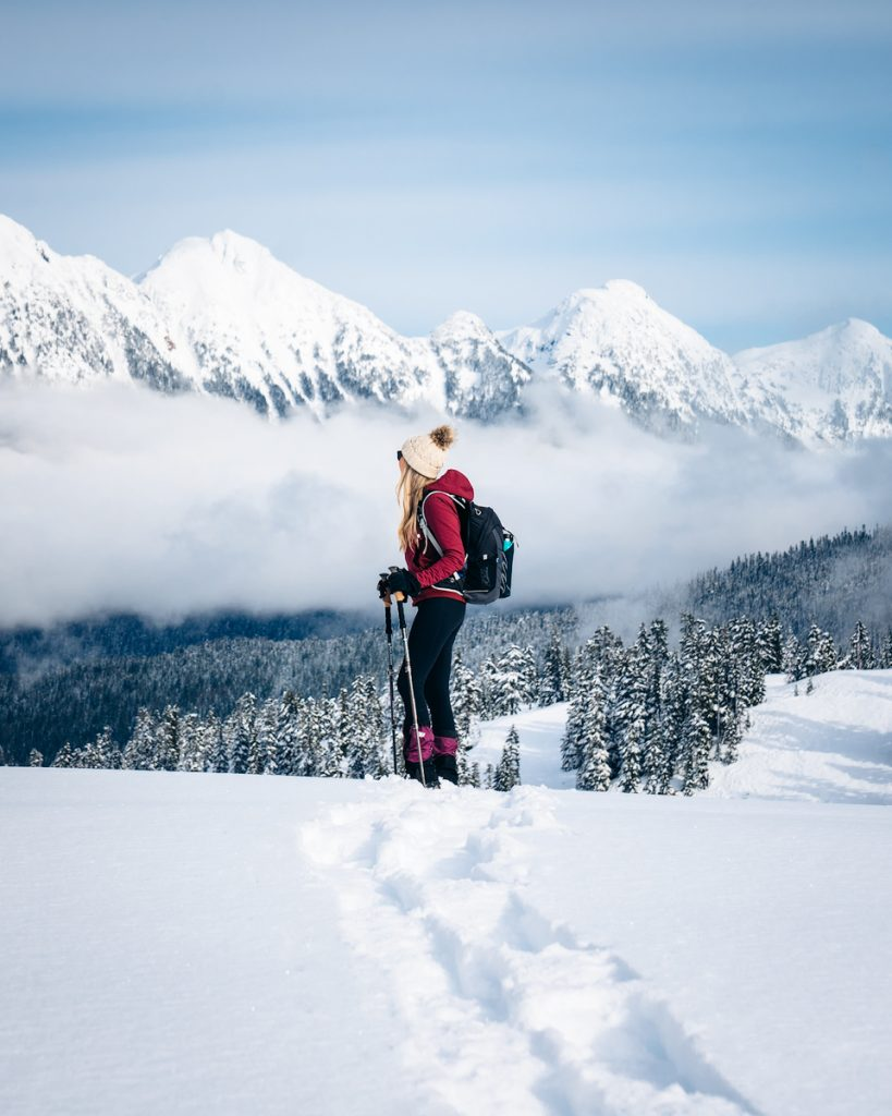 Snowshoe to Artist Point - Hiking Views