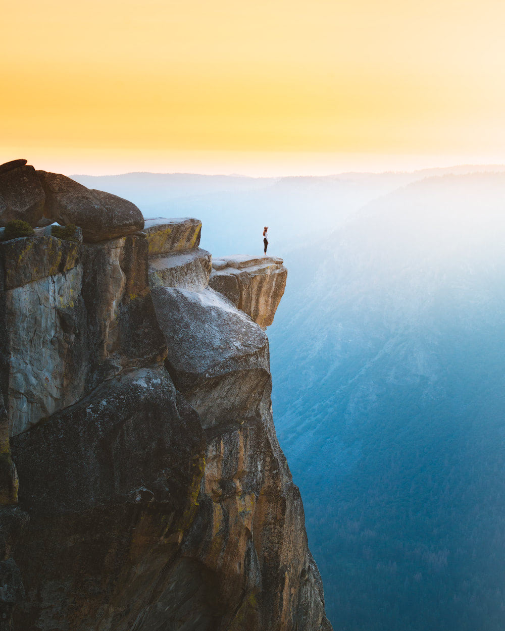 The Ultimate Guide to Exploring Yosemite National Park - Taft Point Sunset