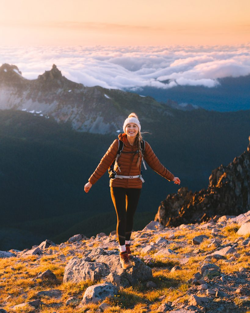planning the perfect national parks trip - hiking in mount rainier national park washington