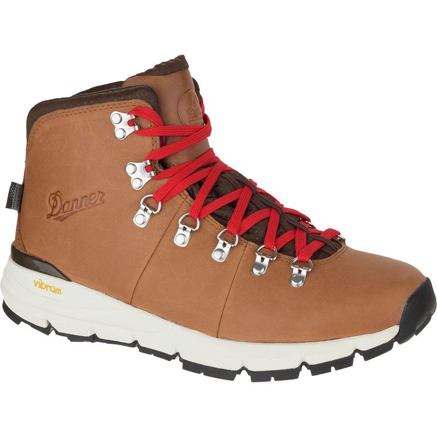 Best Hiking Boots for Men 2020 - Danner Mountain 600 Boot - Renee Roaming