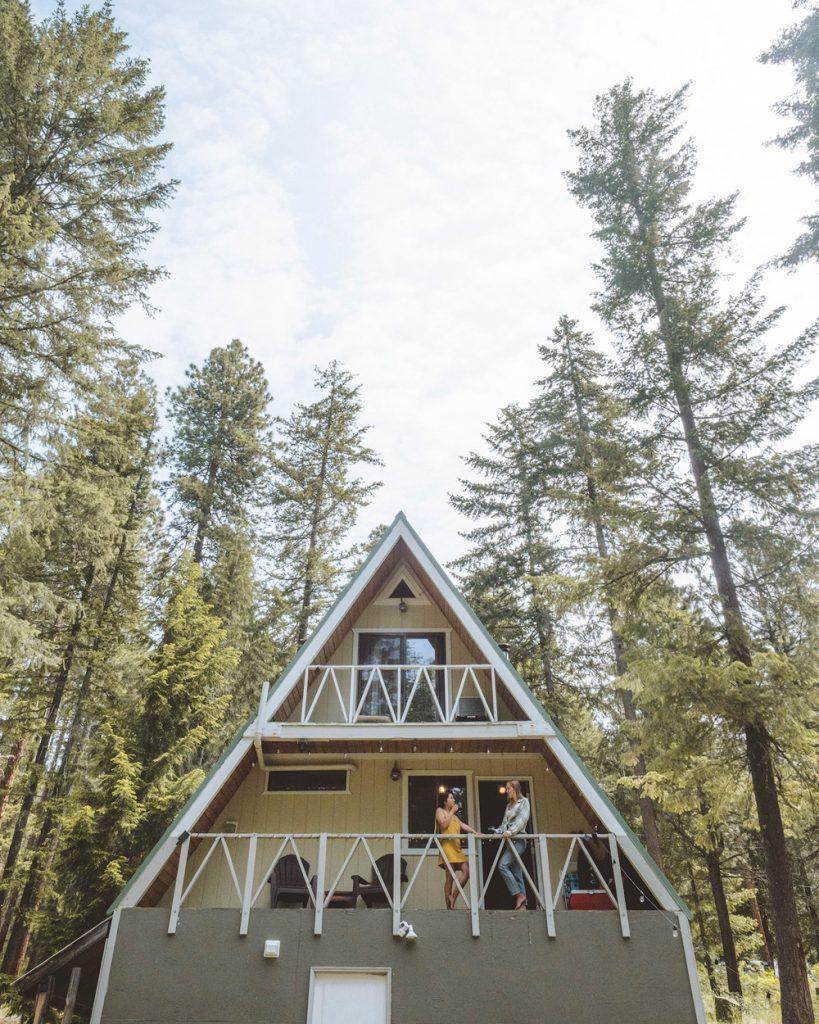 Cozy Cabins to Rent in Washington State - Little Bear Cabin Leavenworth - Renee Roaming