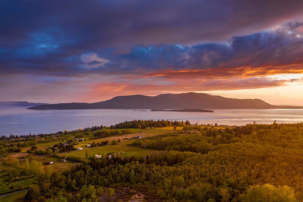 Best outdoor things to do during fall in Washington State - San Juan Islands Washington