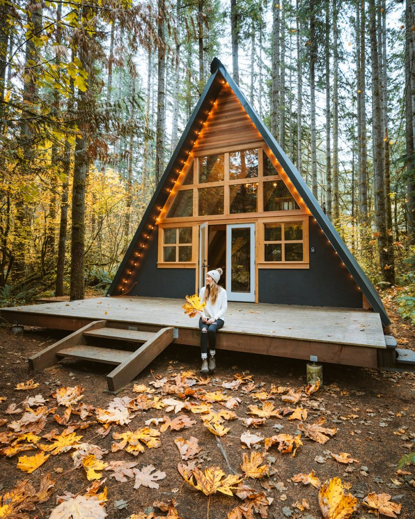 Best outdoor things to do during fall in Washington State - Washingotn A Frame Cabin Fall