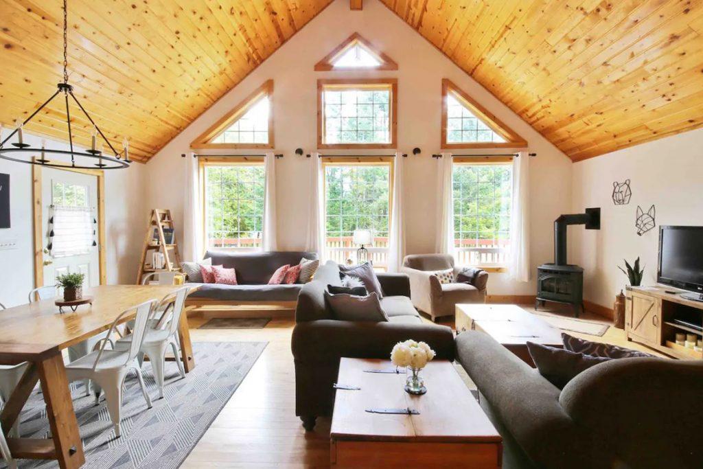 Cozy Cabins to Rent in Washington State - Mount Rainier Cabin Living Room - Renee Roaming