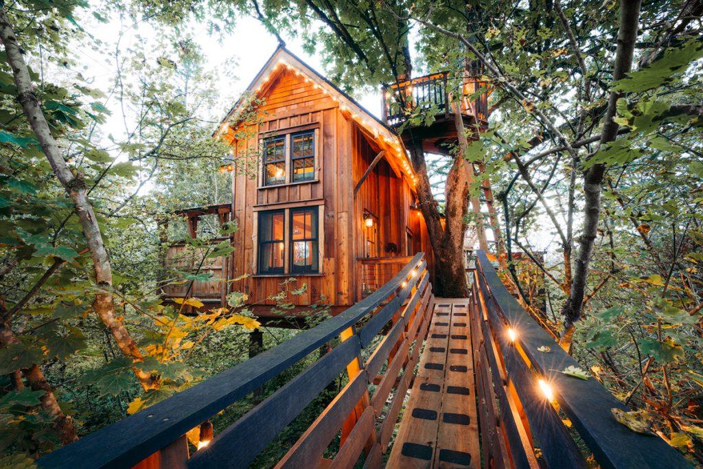 Tree Houses to Rent in Washington State - Pete Nelson Original Tree House Bridge - Renee Roaming