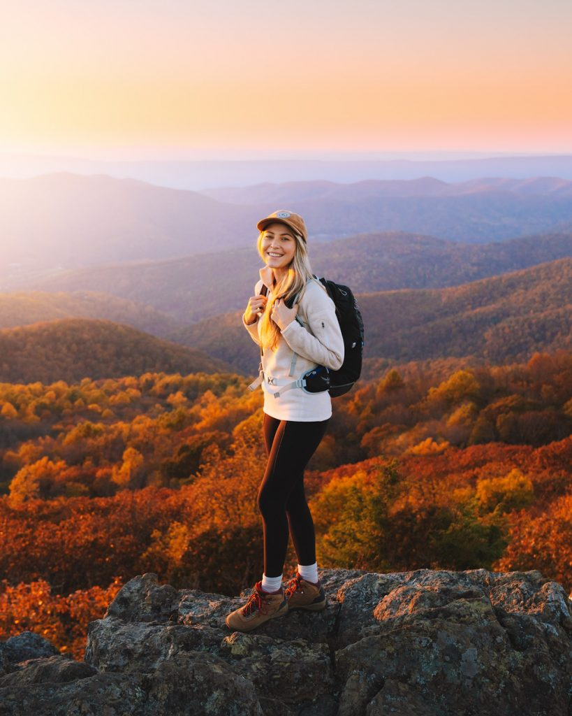 What to wear hiking as a woman - fall hiking outfit