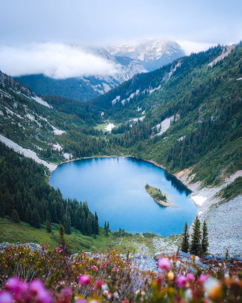 Best National Parks to Visit in Summer - North Cascades National Park Maple Pass Loop