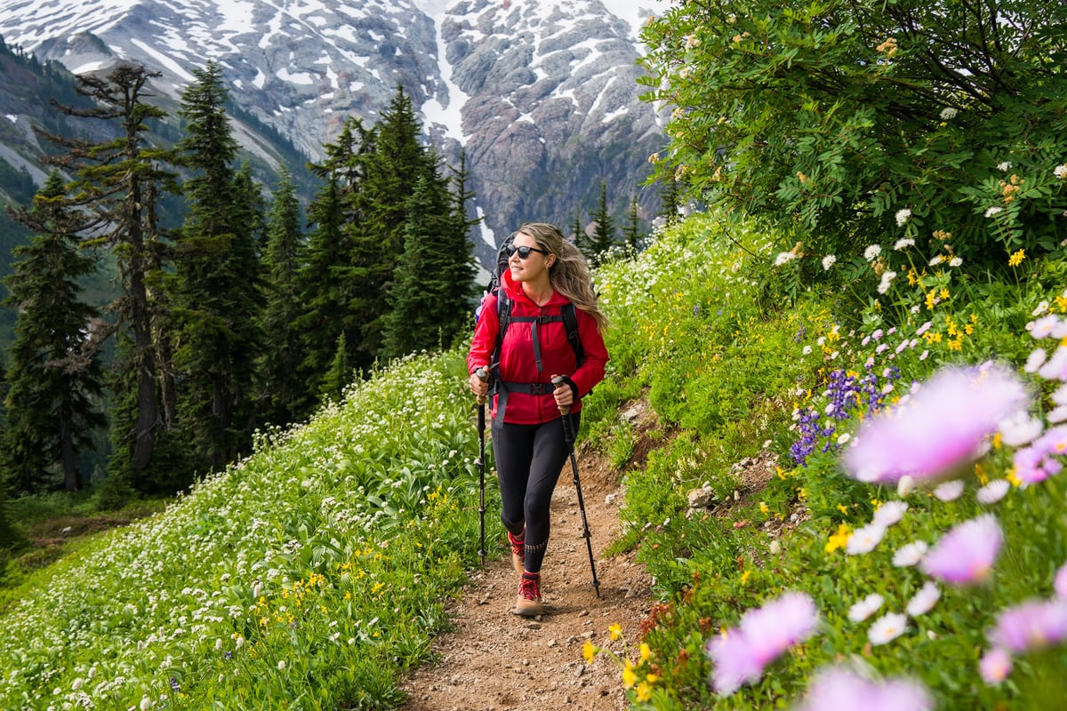 Hiking Trail Etiquette Rules You Should Know and Follow