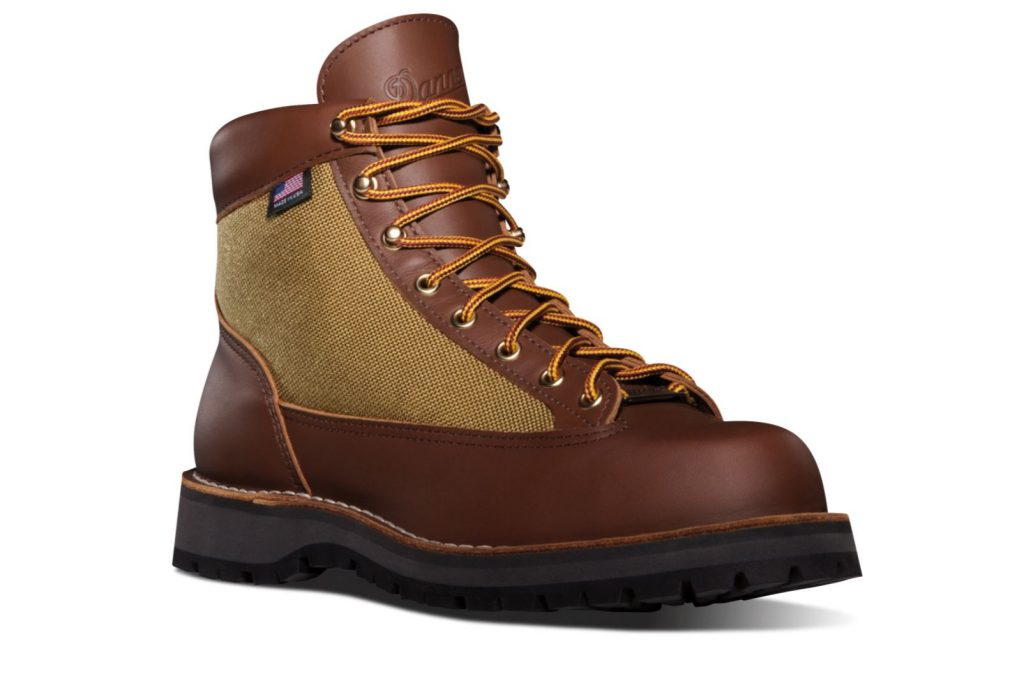 Danner Boots Review and Buying Guide - Danner Light Boots - Best Danner Boots for Hiking and Traveling
