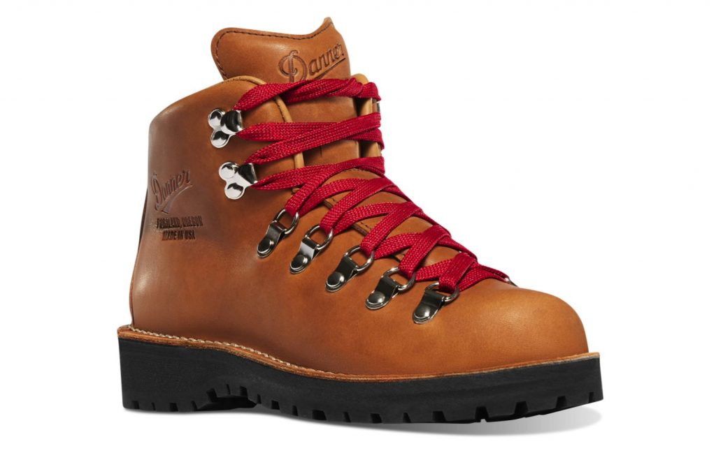 Danner Boots Review and Buying Guide - Danner Mountain Light Boots - Best Danner Boots for Hiking and Traveling